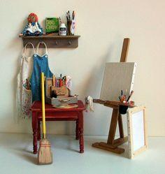 Miniature Artist Easel