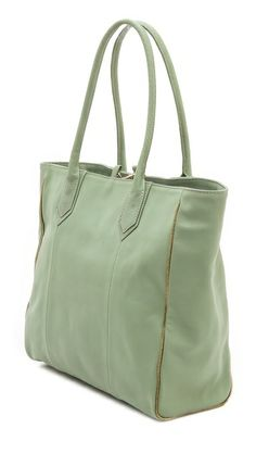 love this #mint leather tote http://rstyle.me/n/jup85r9te