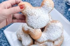 Disneyland Shared Their Mickey Beignets Recipe So You Can Make Them At Home, So Stretchy Pants It Is Donut Recipes, Baking Recipes, Snack Recipes, Copycat Recipes, Snacks, Disney Desserts, Disney Food, Disney Recipes, Chocolate Donuts