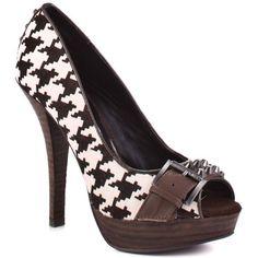 I feel like if I wear these here everyone will think I'm a Bama fan...but I like these shoes