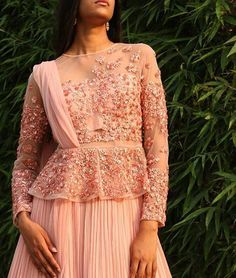 #RidhiMehra rose pink, sequin-embellished peplum lehenga Ethnic Outfits, Indian Outfits, Garba Dress, Indian Attire, Indian Wear, Lehenga Style, Lehenga Designs, Chiffon Maxi Dress, Types Of Dresses