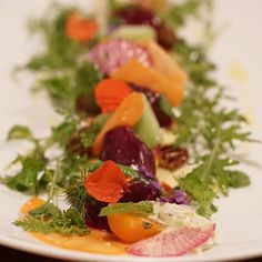 A show-stopping start to an evening of delicious food & wine @winvianfarm. Beet salad with carrot radish pecans raisins & greens from the restaurant garden. #fall on a plate. Paired with a Henri Bourgeois 2015 Sancerre - Wow! . . . #winvianfarm #visitct #fallcolors #winvianfarmrestaurant #relaischateaux #luxury #escapesnaps #gastronomie #connecticut #stillrevolutionary #discovernewengland #visittheusa