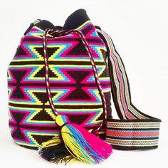 #Mochila #wayuu #Eliwayuubags #Arte #tradición & #color #black #wayuubags #wayúu #gift #trends #ethnic #craft #etsy #perfect #handmade #christmas #wayúu #crochet #telar #beautiful #fashion #art #love #adiction #design #entrepreneur #photooftheday #Colombia #internationalshipping Whatsapp: +573006388348
