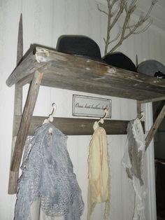 Maalaisromanttista sisustamista, DIY-juttuja, pihan laittoa, kirppistelyä ja käsillä tekemistä sisältävä blogi.