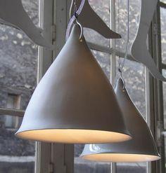 Cornet suspension light in matt porcelain Raku Pottery, Ceiling Rose, Ceiling Lights, Ceramica Artistica Ideas, China Dinnerware Sets, Grande Lampe, Ceramic Light, Ceramic Lamps, Lamp Socket