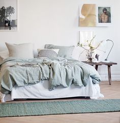 A fab swedish home in neutrals and a cute doggy! (my scandinavian home) Scandinavian Apartment, Scandinavian Home, Comfy Bedroom, Bedroom Decor, Master Bedroom, Natural Home Decor, My New Room, Beautiful Bedrooms, Cozy House