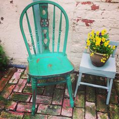 A pretty wheel back chair painted in Annie Sloan Florence pretty pretty green love!
