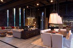 Esta residencia nos anticipa las maravilla que guarda Valle de Bravo, a través de un diseño original.