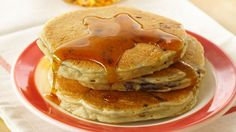 Sundays are all about Chocolate Chip Pancakes. Stir in a few chocolate chips to elevate fluffy pancakes to extra yummy pancakes! Cake Batter Pancakes, Pancakes And Waffles, Fluffy Pancakes, Chocolate Chip Pancake Recipe Bisquick, Banana Pancakes, Breakfast Dishes, Breakfast Recipes, Breakfast Time