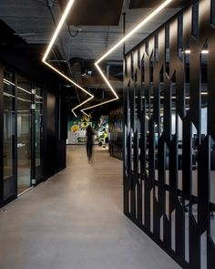 Turman Romano has created the offices for the marketing technology company, ARPEELY, located in Tel Aviv, Israel. Turman Romano Architecture were Corporate Office Design, Office Interior Design, Office Interiors, Corporate Offices, Loft Office, Office Walls, Office Decor, Gym Design, Door Design