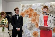 Wedding Wednesday   Ceremony backdrop DIY (crinkle fans)