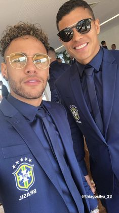Neymar trying to look intelligent,but once a cheat always a cheating motherfucker low life scum bag Best Football Players, Soccer Players, Football Soccer, Football Stuff, Neymar Jr, Everton, Go Brazil, Alex Sandro, Neymar Brazil
