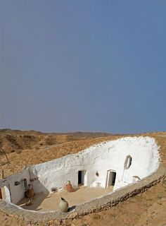 Cave home with courtyard in Gharyan  Libya