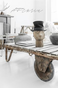 © Paulina Arcklin | Blog post: The hat with the head & Brocante Fair at Castle