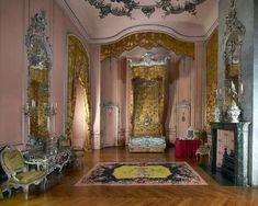Schlösser & Gärten (@SPSGmuseum) on Twitter photo 2018-03-17 06:58:38 Friderizianisches Rokoko in Bestform: Preußens Seidenmanufakturen machten im 18. Jh Frankreich Konkurrenz - Friedrich der Große liebte textilen Luxus. Mehr über Seiden in Sanssouci als Vorgeschmack auf den #SPSGWALK 16.3. hier ab 15 Uhr. BLOG ;spsg.de/blog/article/2… #NeuesPalais