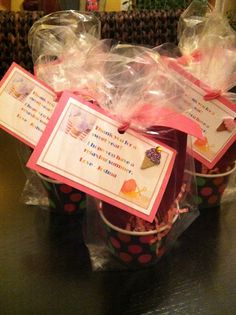 Ice cream cup gift card holders for teacher gifts  I'm thinking about DQ gift cards for my kids teachers at the end of the school year.  I'm going to try this to wrap it all up.  It looks so cute!