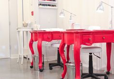 THE STUDIO by MikaDoesMakeup » Blog Archive » Manicure tables