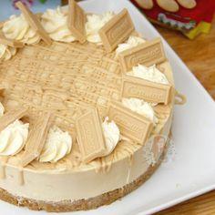 No-Bake Caramac Cheesecake! Caramac Cupcakes, Caramac Cheesecake, Cheesecake Recipes, Dessert Recipes, Desserts, National Cheesecake Day, Janes Patisserie, White Chocolate Raspberry, Chocolate Orange