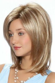 Avery by Tressallure Wigs - Cabello Rubio Medium Shag Haircuts, Short Bob Hairstyles, Hairstyles With Bangs, Pretty Hairstyles, Girl Hairstyles, Long Haircuts, Hairstyles Pictures, Hairstyles Videos, Easy Hairstyles