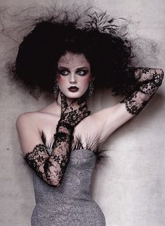 Lisa Cant photographed by Irving Penn for Vogue US.