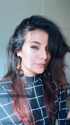 Mrunal panchal Photo Poses For Boy, Girl Poses, Stylish Girl Pic, Cute Girl Photo, Beautiful Girl Indian, Beautiful Girl Image, Model Poses Photography, Girl Attitude, Foto Instagram
