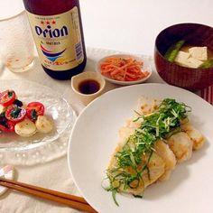 orionビールはいただきもののです♡ - 23件のもぐもぐ - 鶏胸肉の塩麹焼き(大葉と生姜とポン酢かけ)・カプレーゼ、人参サラダ・お味噌汁(絹さや、豆腐)・人参サラダ・orionビール by accachan096Y1