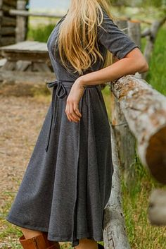 Simple and sweet wrap dress http://rstyle.me/n/rmppznyg6