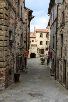 Anghiari is a small medieval jewel set on a hill made of stone built up over the centuries from the Tiber River at its feet.  Anghiari is about 30 km from Arezzo, near the border between Tuscany and Umbria, Italy.    Photo: google+.com/explore/Tuscany