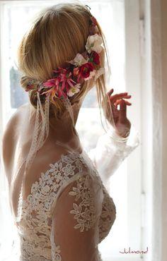 Romantischer Blumenkranz für die Braut/ flower wreath for the bride made by Julmond via DaWanda.com