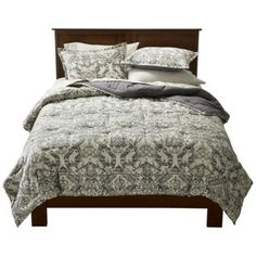 Need this masculint but feminine bedset