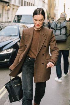 Ways to Style an Oversized Blazer Oversized Blazer / street style fashion / fashion week Looks Street Style, Looks Style, Style Me, Parisian Street Style, Street Style 2018, Womens Fashion For Work, Look Fashion, Fashion Mode, Trendy Fashion