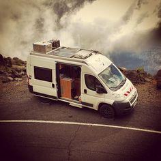 #WHATABUS am #Abgrund - unterwegs an der einsamen Südküste von #ElHierro  #KanarischeInseln  #Kanaren #Spanien #CanaryIslands #Spain #camping #campervan #vancamper #vanlife #campingbus #wohnmobil #amazing #fun #photooftheday #instagood #instatravel #Roadtrip #instacamping