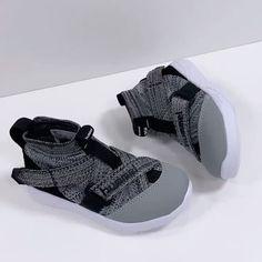 Kids world.dk Hummel Terrafly Knit Jr sneakers!! </p>                     </div>   <!--bof Product URL --> <!--eof Product URL --> <!--bof Quantity Discounts table --> <!--eof Quantity Discounts table --> </div>                        </dd> <dt class=