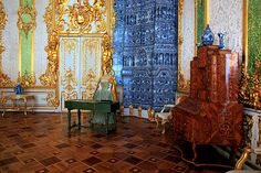 Green Dining Room at Catherine Palace in Tsarskoye Selo (Pushkin), south of St Petersburg, Russia