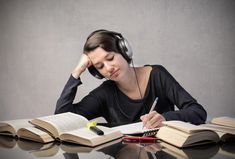 Does listening to music help you become a better student? Music For Studying, Listening To Music, English Fun, Learn English, Good Student, Brain Waves, Education Quotes For Teachers, Education English, Nutrition Education