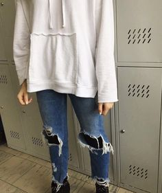 Jeans: bershka sweatshirt: Zara shoes: New Yorker I would be grateful if you could visit my page - shinymind.eu INSTAGRAM - shinymindblog