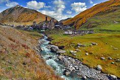 Ushguli. Svaneti. Georgia - Ушгули. Сванети, Грузия  Расположенное на высоте 2200 м над уровнем моря, село Ушгули считается самым высокогорным постоянным поселением в Европе.  Находится на южном склоне Шхары, одной из высочайших гор Большого Кавказа, в верховьях реки Ингури.
