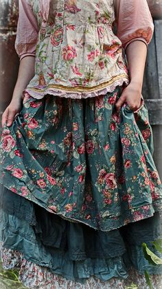 Sewing Clothes Bohemian Mori Girl Best Ideas Source by carolannemuller clothes bohemian Boho Outfits, Pretty Outfits, Girl Outfits, Fashion Outfits, Fashion Shorts, Fashion Styles, Fashion Brands, Style Fashion, Gypsy Style