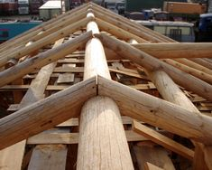 Building Technologies: Post and Beam Timber Roof, Timber Buildings, Pole Buildings, Diy Log Cabin, Log Cabin Living, Cabin Homes, Log Homes, Log Home Designs, Run In Shed