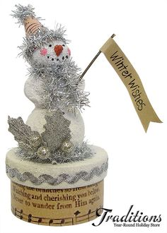 Vintage Christmas Decorations at Traditions Year-Round Holiday Store. Merry Christmas, Shabby Chic Christmas, Christmas Snowman, Vintage Christmas, Christmas Holidays, Christmas Boxes, Christmas Projects, Holiday Crafts, Xmas Ornaments