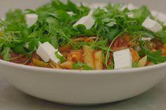 Jeroen is verzot op een eenvoudige pastaschotel met zoveel mogelijk smaak. Vlees is bijzaak, zeker als je werkt met geroosterde paprika