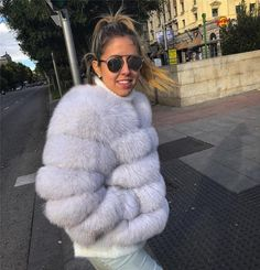 Luxurious 100% Genuine Thick Fox Fur Jacket Autumn Fashion 2018, Fall Fashion Trends, Winter Fashion Outfits, Trendy Outfits, Trendy Fashion, Boho Fashion, Winter Outfits, Fashion Design, Fox Fur Jacket