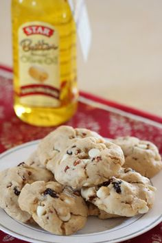 Tortillas and Honey: Olive Oil Cookies with White Chocolate, Cranberries and Pecans #STAROliveOil #shop #cbias