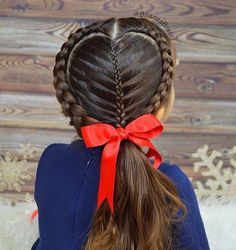 Easy Boho Hairstyle For Long Hair - 20 Trendy Half Braided Hairstyles - The Trending Hairstyle Half Braided Hairstyles, Fancy Hairstyles, Bob Hairstyles, Summer Hairstyles, Cute Little Girl Hairstyles, Flower Girl Hairstyles, Look Girl, Sisterlocks, Cornrows