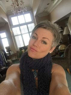 #grey #silverish #naturalcolor #thankful #sexyatanyage #silverissexy  #shortgreyhair #pixie #silverhair #abbyparkermoneyhun