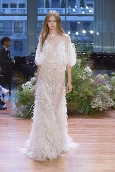 monique lhuillier fall 2017 (stardust) sleeveless thin straps v neck trumpet wedding dress feather cape mv -- 2017 Wedding Dress Trends Wedding Dress Trends, Fall Wedding Dresses, Designer Wedding Dresses, Bridal Dresses, Wedding Gowns, Wedding Shoes, Most Beautiful Dresses, Pretty Dresses, Wedding Dress With Feathers