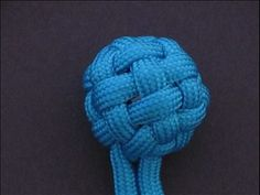 Tutorial for 153 knots and weaves - click on 'Knot Gallery' choose from 153 photos - video instructions on YouTube.