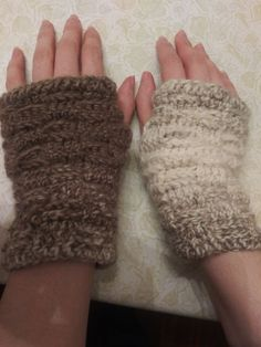 100/% Alpaca Wool Knit Fingerless Gloves Lt Beige Small ~ Women Men Accessories