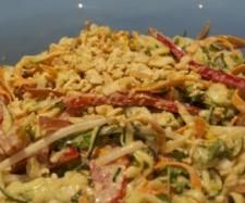 Recipe Raw Pad Thai by luel, learn to make this recipe easily in your kitchen machine and discover other Thermomix recipes in Main dishes - vegetarian. Vegetarian Sauces, Vegetarian Pad Thai, Raw Food Recipes, Salad Recipes, Cooking Recipes, Healthy Recipes, Rainy Day Recipes, Pad Thai Sauce, Thermomix