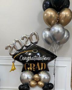 Grad Party Decorations, Birthday Balloon Decorations, Gold Christmas Decorations, Balloon Centerpieces, Graduation Party Decor, Graduation Bouquet, Graduation Balloons, Balloon Shop, Balloon Gift